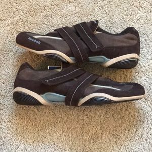 Reebok Shoes - NWT Reebok Velcro Hiking Walking shoes Size 8.5 72332747e